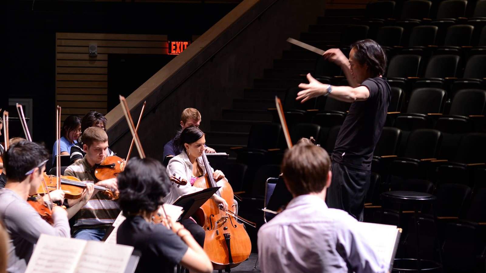 Scott Yoo conducts at the Cornerstone Arts Center