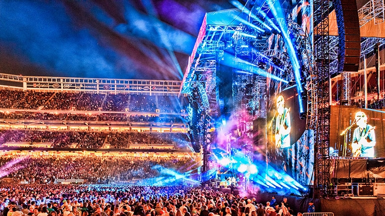 The Grateful Dead Bids 'Fare Thee Well' with LEO